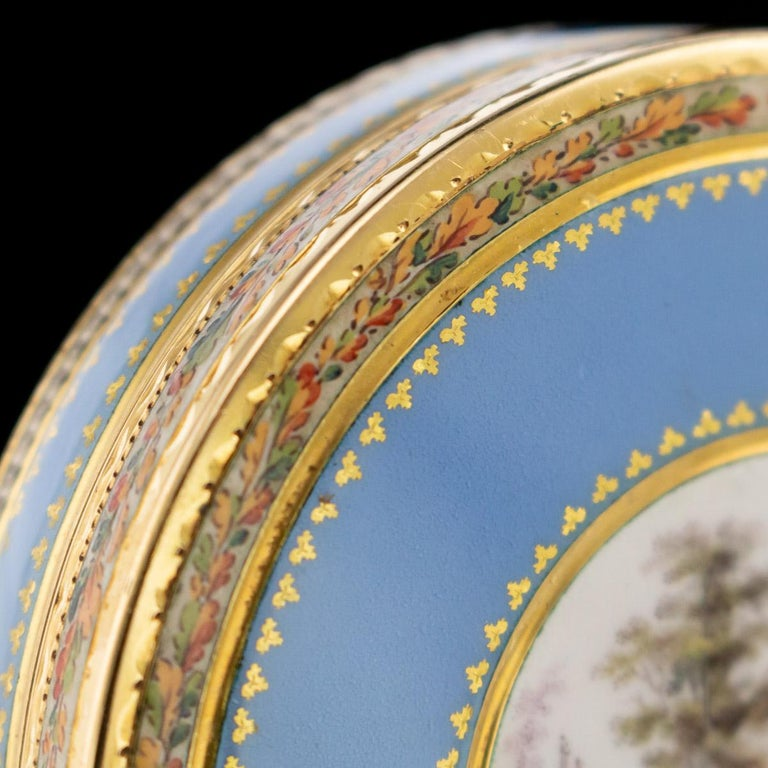Antique Swiss 18-Karat Gold & Hand Painted Enamel Bonbonniere Box, circa 1800 For Sale 3