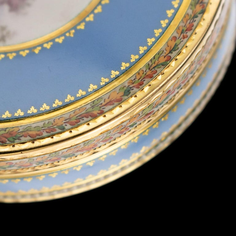 Antique Swiss 18-Karat Gold & Hand Painted Enamel Bonbonniere Box, circa 1800 For Sale 5