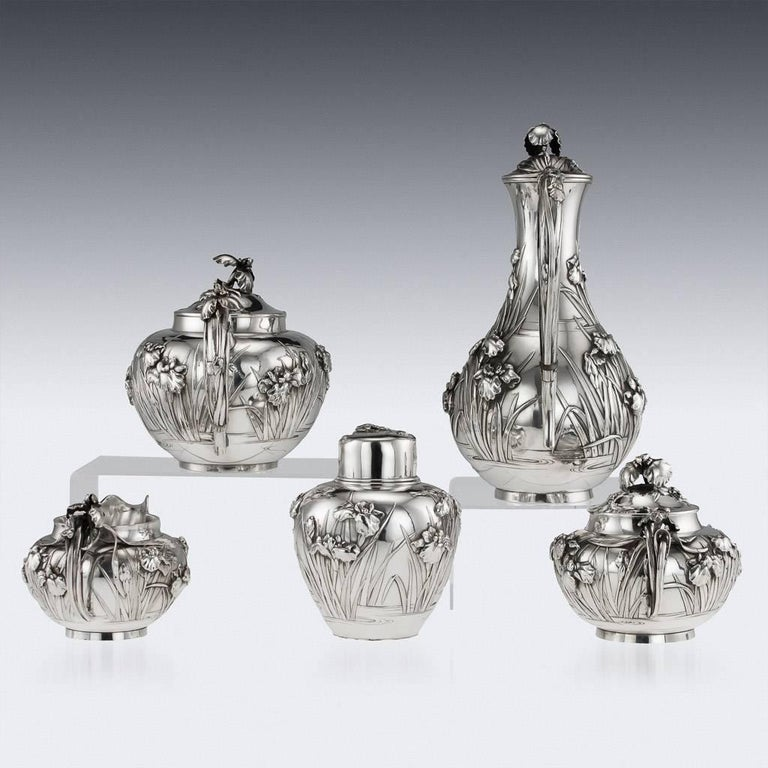 Antique Japanese Solid Silver Tea and Coffee Service, Arthur & Bond, circa 1900 In Excellent Condition In London, London