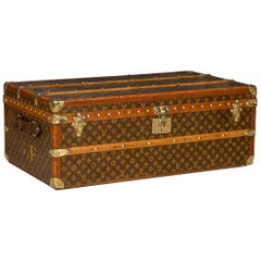 20th Century Louis Vuitton Cabin Trunk in Monogrammed Canvas, France, circa 1920
