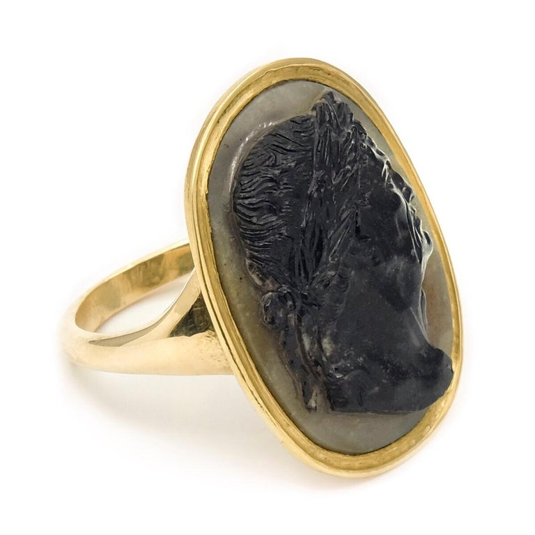 Antique 22 Karat Yellow Gold Hardstone Agate Cameo Roman Emperor Ring For Sale 1