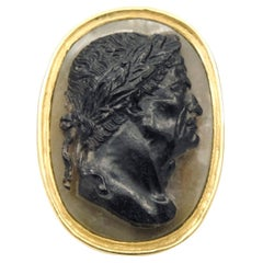 Antique 22 Karat Yellow Gold Hardstone Agate Cameo Roman Emperor Ring
