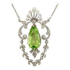 Antique 2.28 Carat Peridot and Diamond Platinum Necklace Belle Époque
