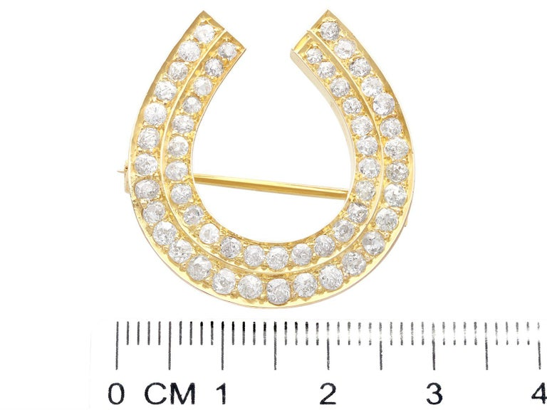 Antique 2.36 Carat Diamond and 9k Yellow Gold Horseshoe Brooch, Circa 1890 For Sale 2