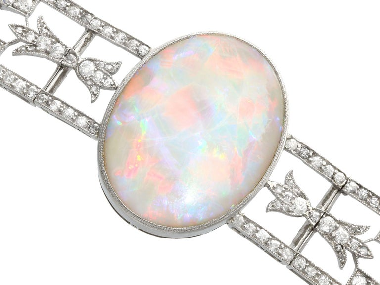 Antique 24.66Ct Oval Cut Opal and 9.81Ct Diamond Platinum Bracelet In Excellent Condition For Sale In Jesmond, Newcastle Upon Tyne