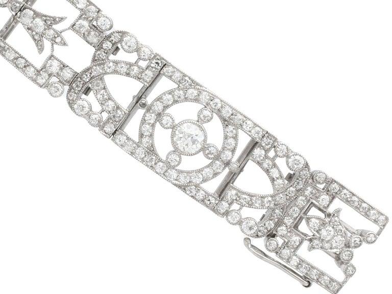 Antique 24.66Ct Oval Cut Opal and 9.81Ct Diamond Platinum Bracelet For Sale 2