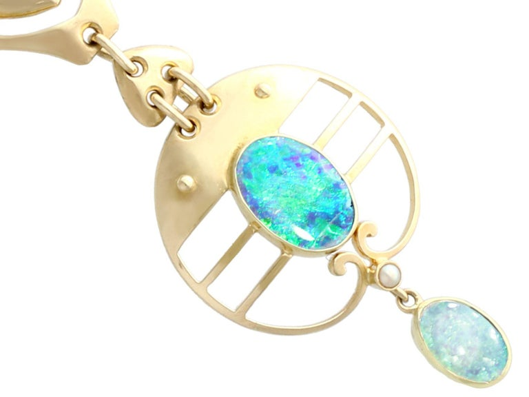 Art Nouveau 2.62 Carat Opal and Yellow Gold Necklace by Murrle Bennet & Co, circa 1900 For Sale