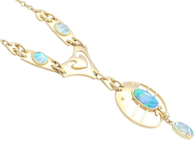 Cabochon 2.62 Carat Opal and Yellow Gold Necklace by Murrle Bennet & Co, circa 1900 For Sale