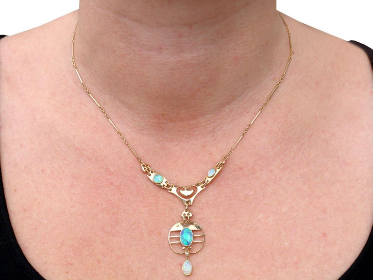 2.62 Carat Opal and Yellow Gold Necklace by Murrle Bennet & Co, circa 1900 For Sale 2