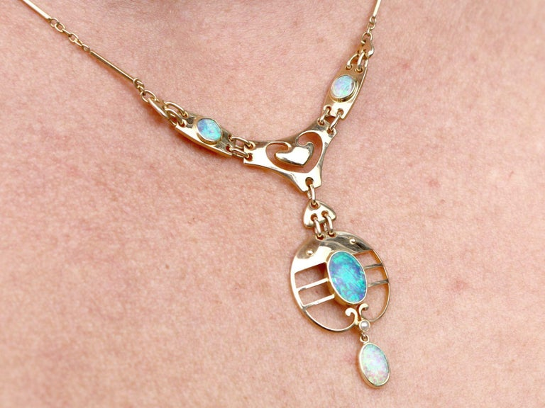 2.62 Carat Opal and Yellow Gold Necklace by Murrle Bennet & Co, circa 1900 For Sale 3