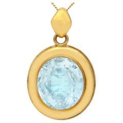 Antique 28.12 Carat Aquamarine and Yellow Gold Necklace Circa 1890