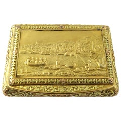 Antique 3-Color Solid Gold Snuff Box with Gold Plaque Geneve Bautte et Moynier