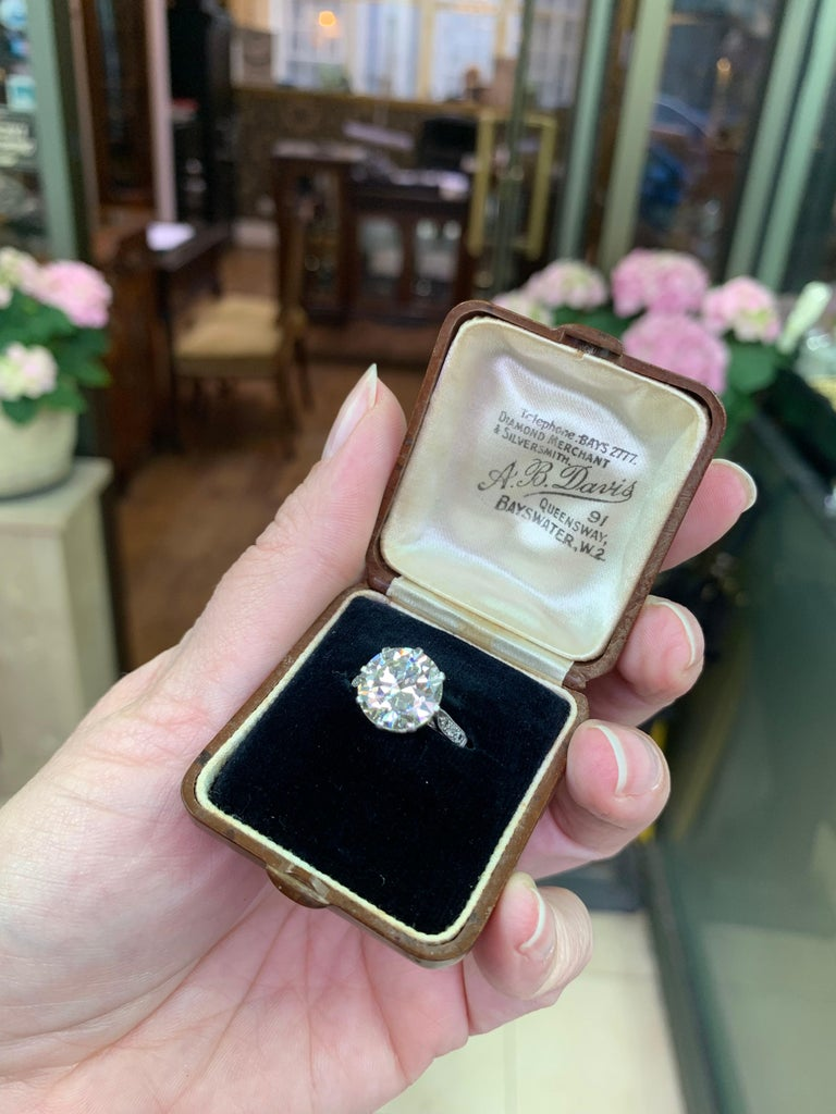 Antique 4.11 Carat Old Cut Diamond Engagement Ring, circa 1910 For Sale 4