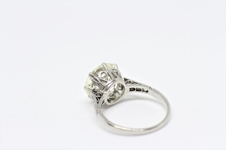 Antique 4.11 Carat Old Cut Diamond Engagement Ring, circa 1910 In Good Condition For Sale In London, GB