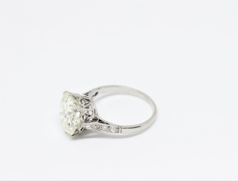 Women's Antique 4.11 Carat Old Cut Diamond Engagement Ring, circa 1910 For Sale