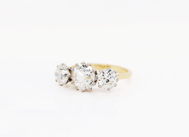 Late Victorian Antique 4.61 Carat Old Cut Diamond Three-Stone 18 Carat Gold Engagement Ring For Sale