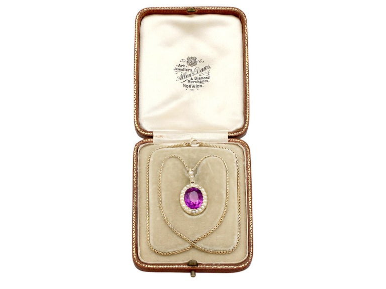 Antique 6.56 Carat Amethyst and Pearl Yellow Gold Pendant For Sale 4