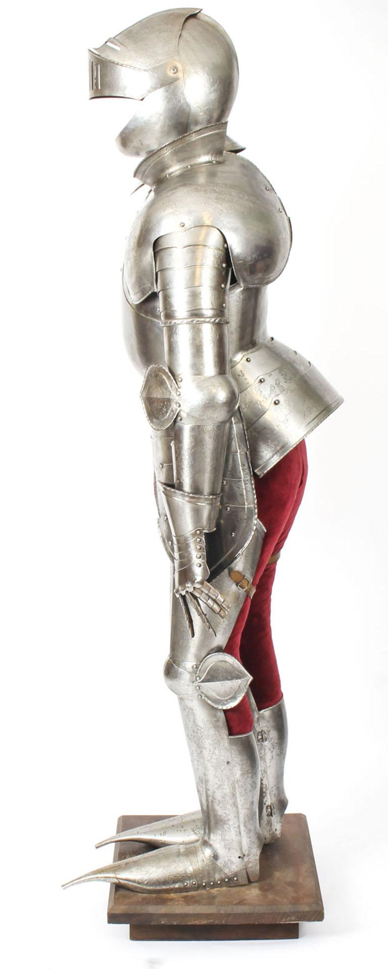 Antique Complete Set of Greenwich Style Tudor Armour, Early 20th Century For Sale 6