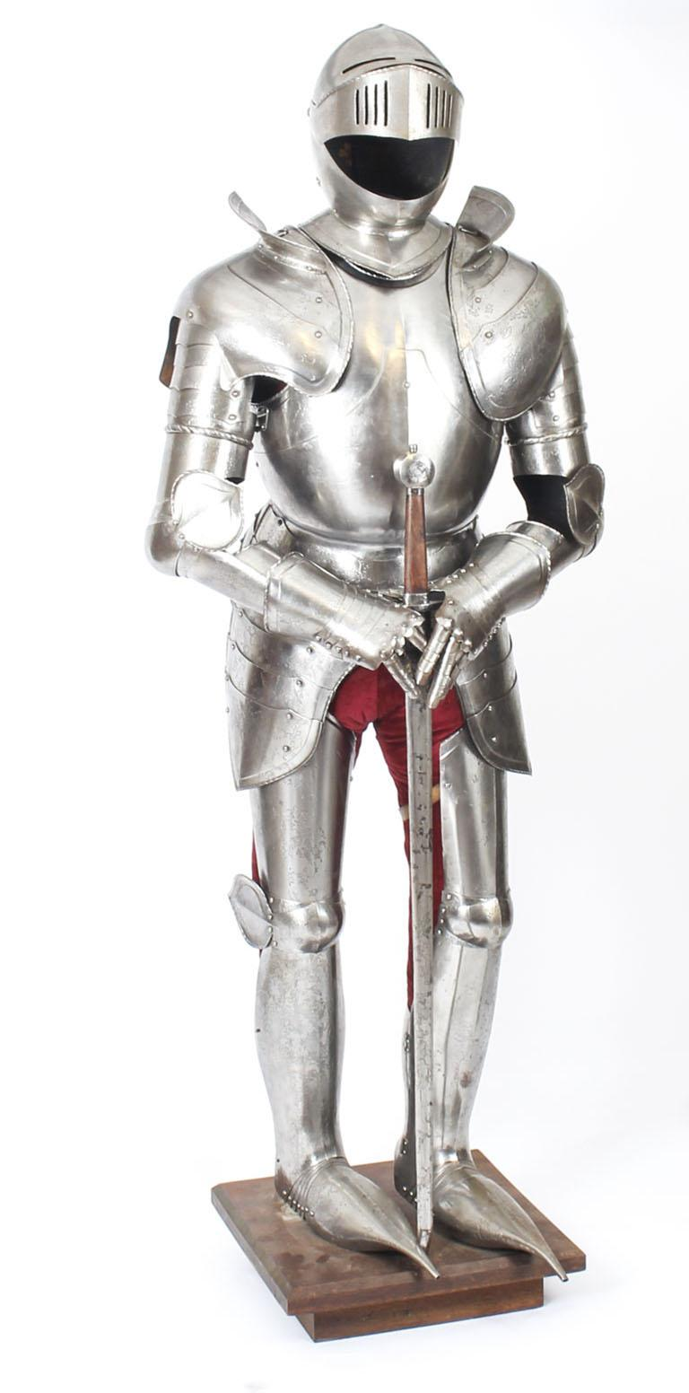 English Antique Complete Set of Greenwich Style Tudor Armour, Early 20th Century For Sale
