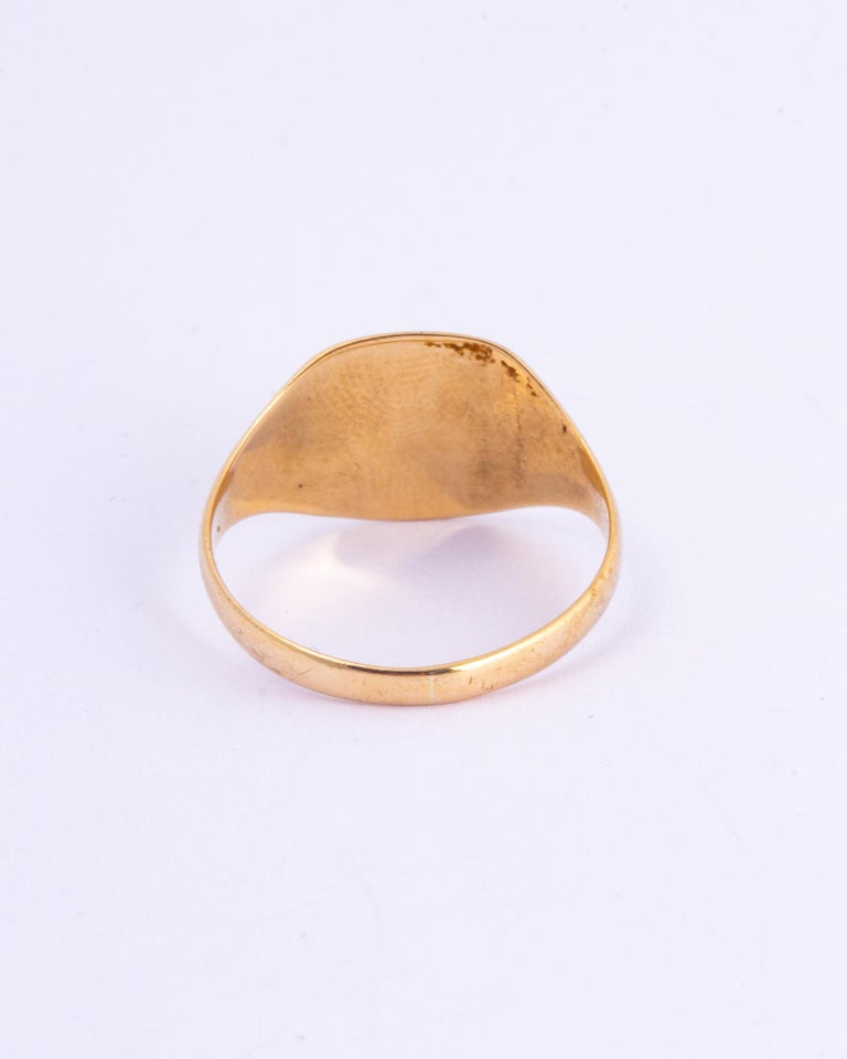 Antique 9 Carat Gold Signet Ring In Good Condition For Sale In Chipping Campden, GB