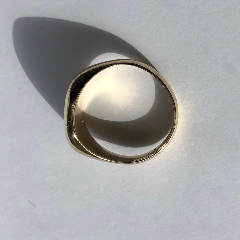 Antique 9 Carat Gold Signet Ring In Good Condition In Chipping Campden, GB