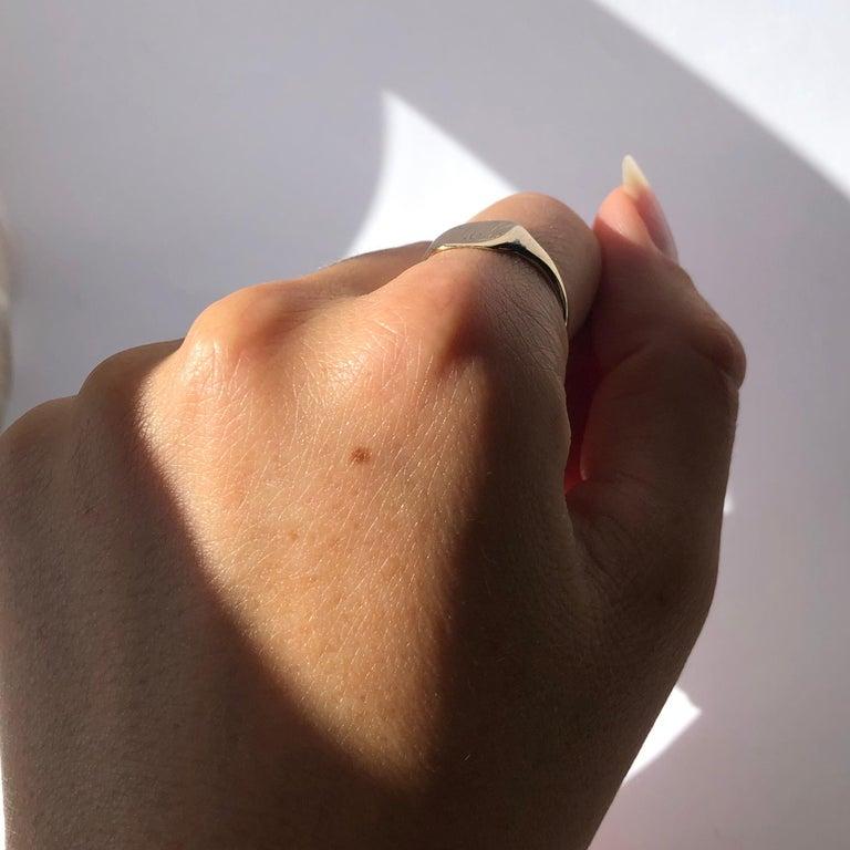 Antique 9 Carat Gold Signet Ring For Sale 1