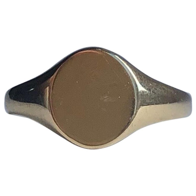 Antique 9 Carat Gold Signet Ring For Sale