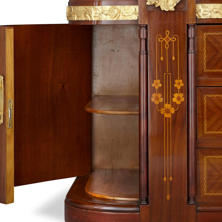 Antique Aesthetic Style Marquetry and Gilt Bronze Dressing Table For Sale 2