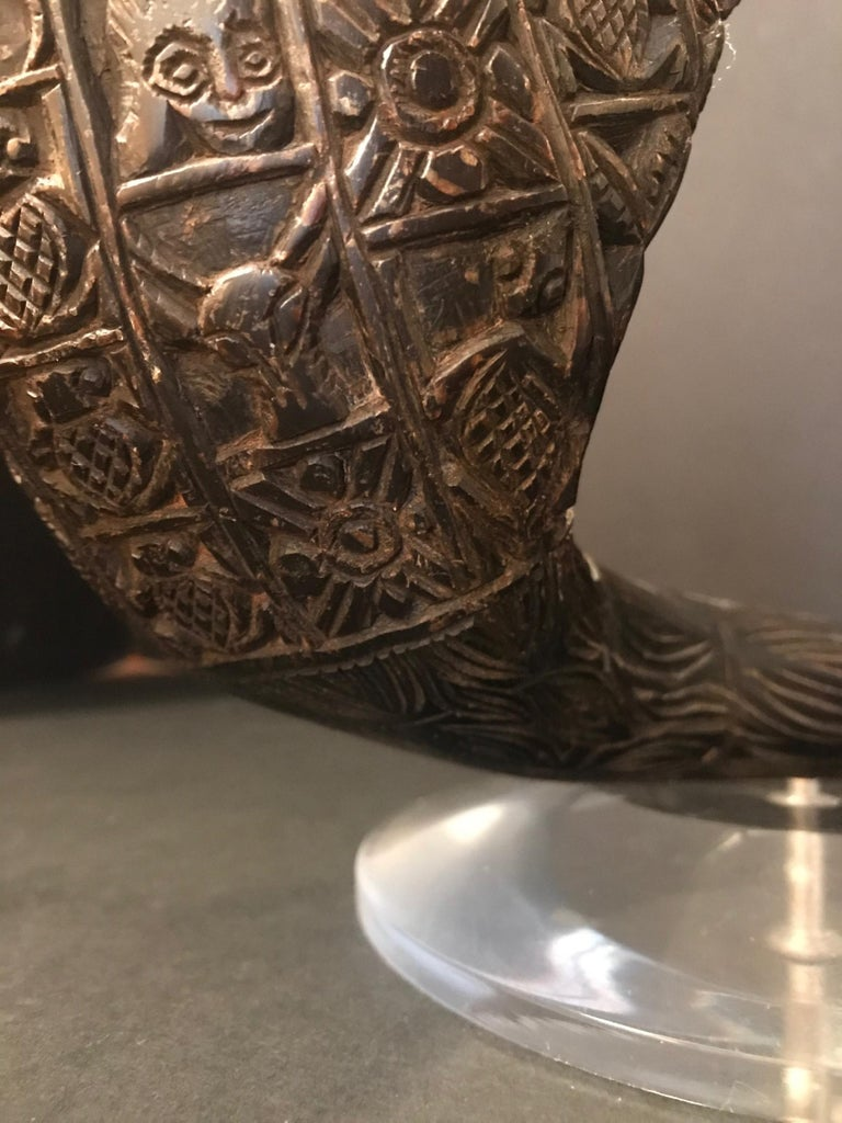 """Antique African Royal Ceremonial Buffalo Drinking Horn Bamum """"Ndu Nyiet"""" For Sale 3"""