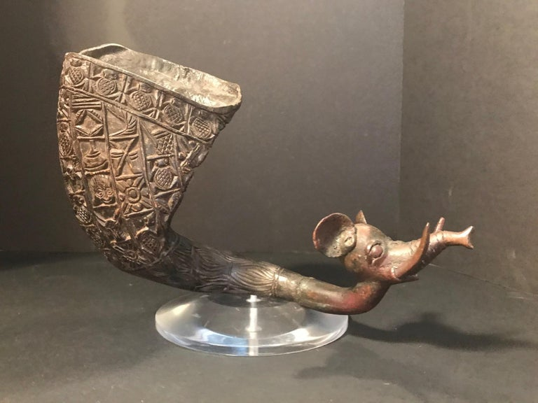 """Hand-Carved Antique African Royal Ceremonial Buffalo Drinking Horn Bamum """"Ndu Nyiet"""" For Sale"""