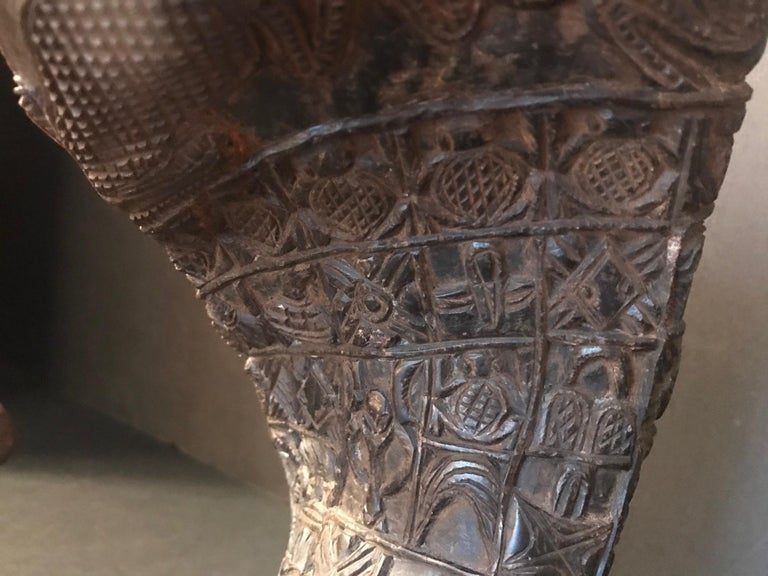 """Antique African Royal Ceremonial Buffalo Drinking Horn Bamum """"Ndu Nyiet"""" For Sale 1"""