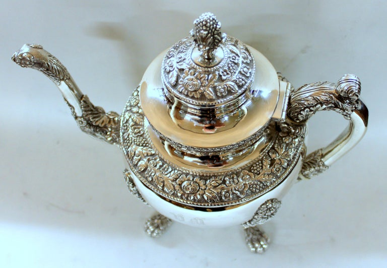Antique American Coin Silver Rococo Style Four Piece Tea Set, Andrew de Milt, NY In Good Condition For Sale In Charleston, SC