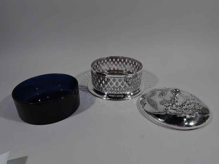 Antique American Edwardian Pierced Sterling Silver Basket Box In Excellent Condition For Sale In New York, NY