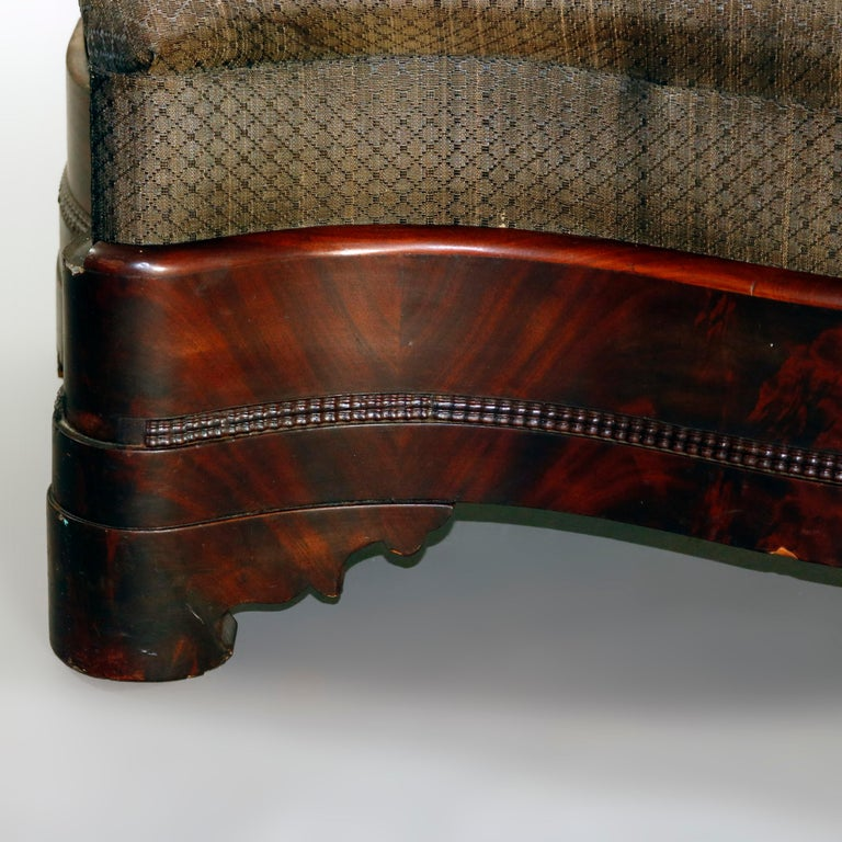 American Empire Upholstered Flame Mahogany Serpentine Bench, 19th Century In Good Condition For Sale In Big Flats, NY