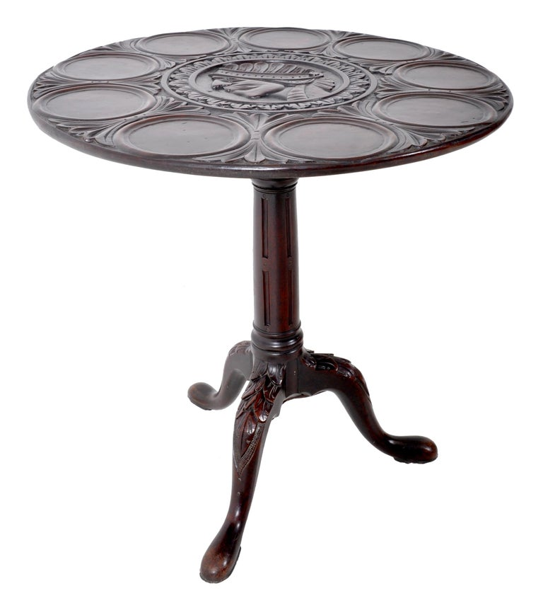 Late 18th Century Antique American Federal Mahogany Tilt-Top Supper Table, circa 1790 For Sale