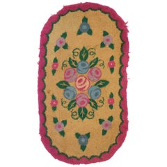 Antique American Floral Hooked Oval Rug with English Country Chintz Style