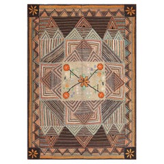 Antique American Hooked Rug. Size: 7 ft 2 in x 10 ft 1 in (2.18 m x 3.07 m)