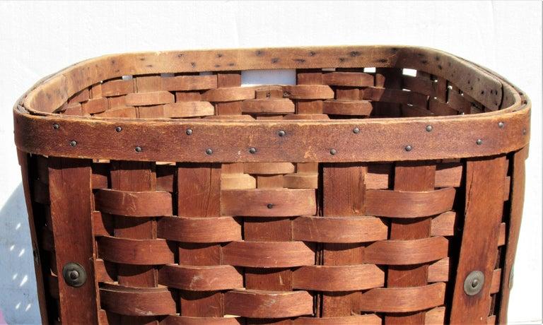 Antique  American Large Splint Basket, Circa 1900 For Sale 5