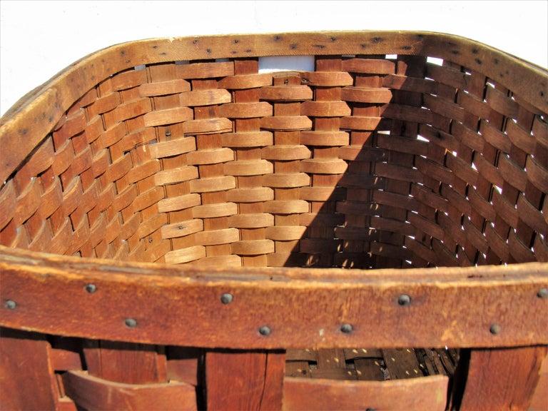 Antique  American Large Splint Basket, Circa 1900 For Sale 6
