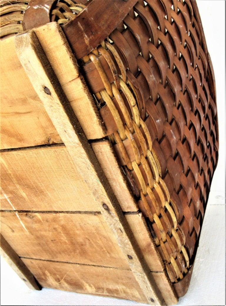 Antique  American Large Splint Basket, Circa 1900 For Sale 9