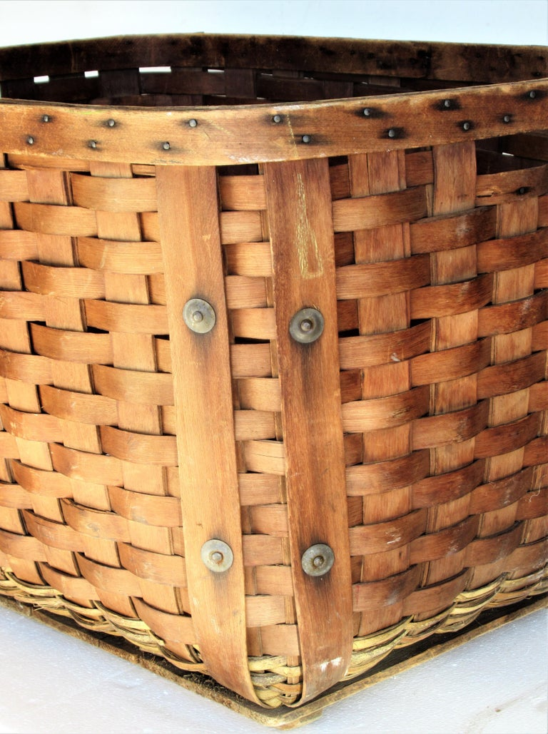 Hand-Crafted Antique  American Large Splint Basket, Circa 1900 For Sale