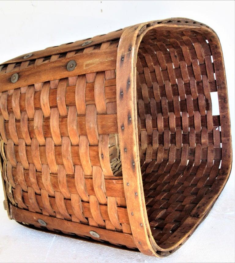 20th Century Antique  American Large Splint Basket, Circa 1900 For Sale