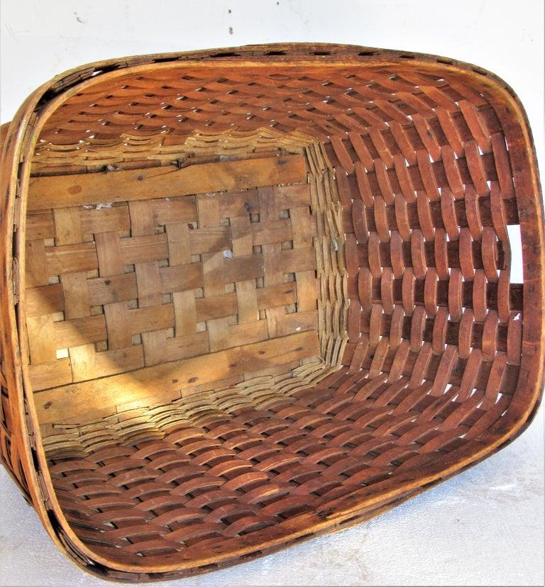 Wicker Antique  American Large Splint Basket, Circa 1900 For Sale