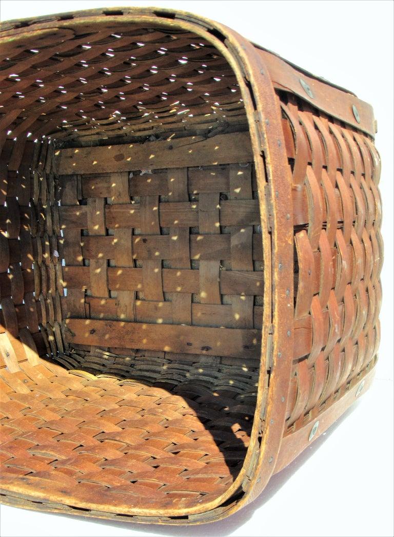Antique  American Large Splint Basket, Circa 1900 For Sale 1