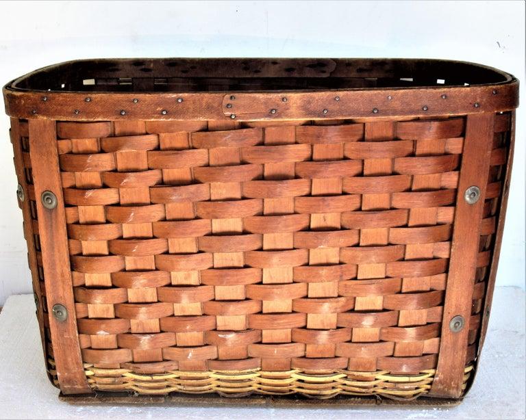 Antique  American Large Splint Basket, Circa 1900 For Sale 2
