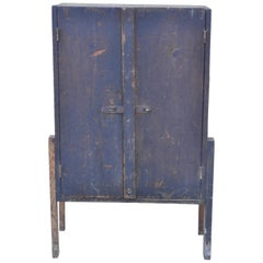 Antique American Primitive Distressed Wood 2-Door Storage Tool Cabinet Cupboard