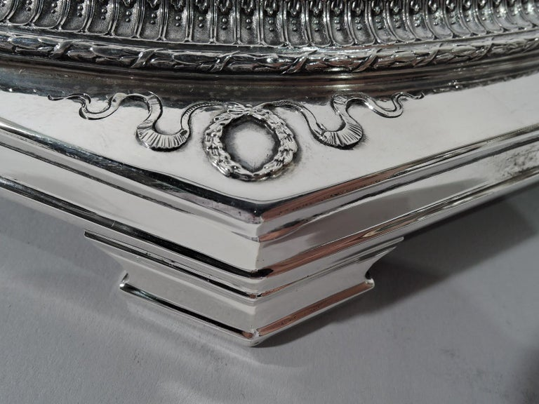 Antique American Sterling Silver Centerpiece Bowl on Plateau For Sale 5
