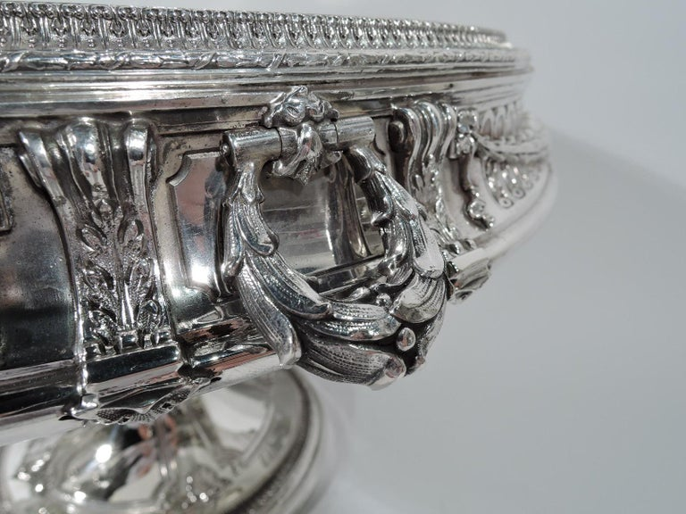 Antique American Sterling Silver Centerpiece Bowl on Plateau In Excellent Condition For Sale In New York, NY