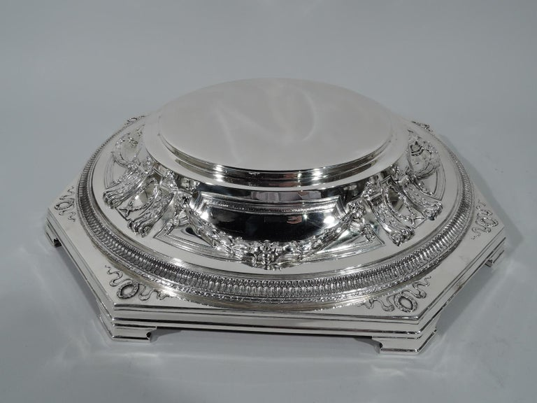 Antique American Sterling Silver Centerpiece Bowl on Plateau For Sale 3