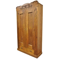 Antique American Victorian Golden Oakwood Clothing Wardrobe Dresser Cabinet